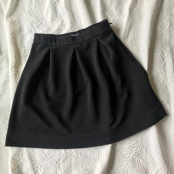 5fd5a2b3ed Madewell Dresses & Skirts - Madewell Black Mini Bistro pleated Skirt